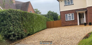 Gravel Driveway with Cobbled Apron in Bicester